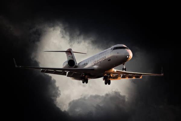 Kimberley Airport Photograph - Bombardier Landing by Paul Job