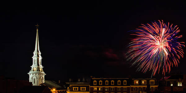 Photograph - Bombs Bursting In Air Portsmouth Nh by Jeff Sinon