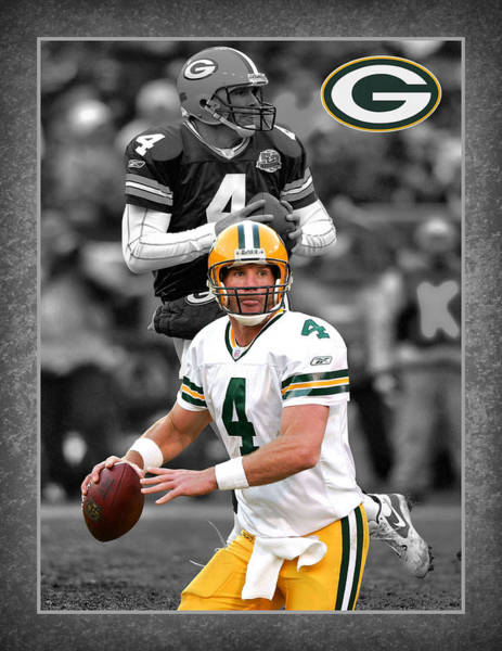 Green Grass Photograph - Brett Favre Packers by Joe Hamilton