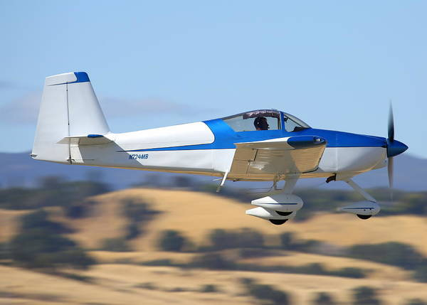 Photograph - Brewton Rv-7a Fly-by N724mb by John King