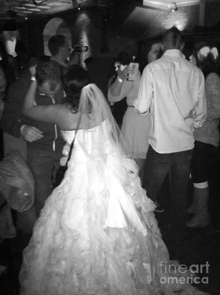 Photograph - Bride's Party by WaLdEmAr BoRrErO