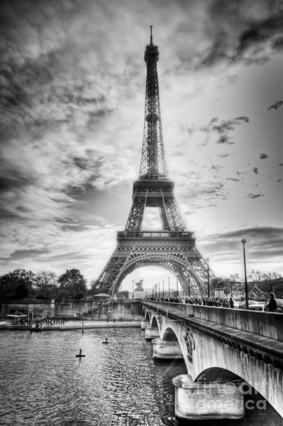 Art Print featuring the photograph Bridge To The Eiffel Tower by John Wadleigh