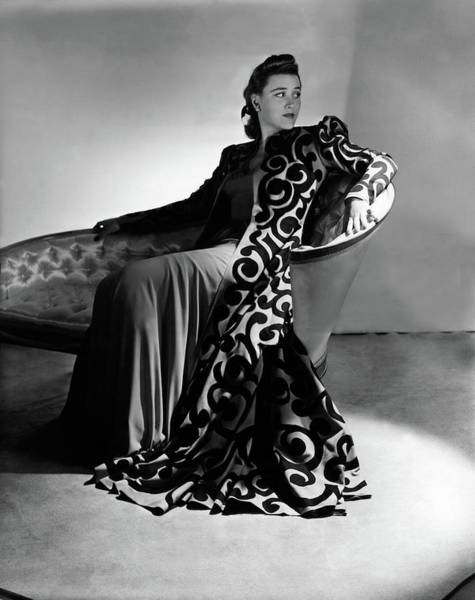 Photograph - Bridget Bate Tichenor Sitting On A Chaise Lounge by Horst P. Horst
