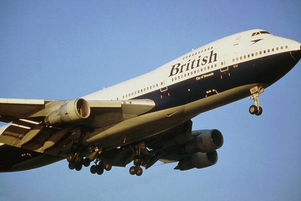Wall Art - Photograph - British Airways Jumbo Jet In Flight by Martin Dohrn/science Photo Library