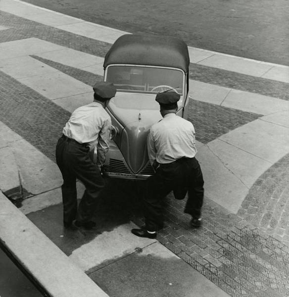 Auto Photograph - Bronx Zoo Workers With A Car by Toni Frissell