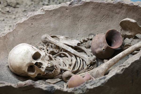 Eastern Anatolia Photograph - Bronze Age Burial Remains by Science Photo Library