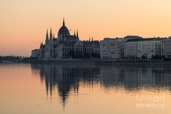 Donau Photograph - Budapest 06 by Tom Uhlenberg