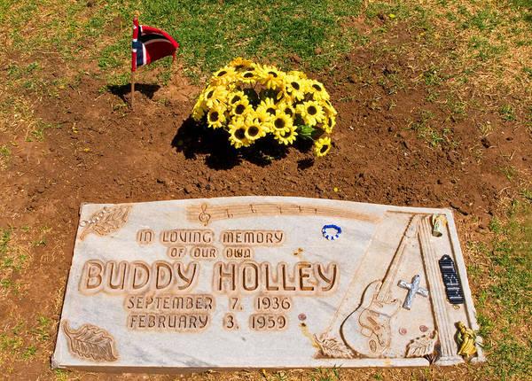 Famous Cemeteries Photograph - Buddy Holley Gravesite by Millard H. Sharp