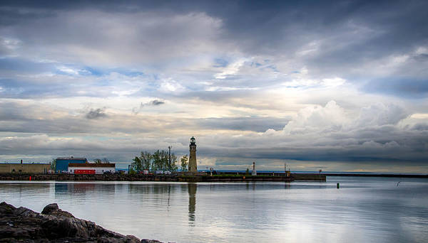 Photograph - Buffalo Lighthouse 2119c by Guy Whiteley