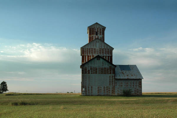 Photograph - Burns Elevator From South by Rod Seel