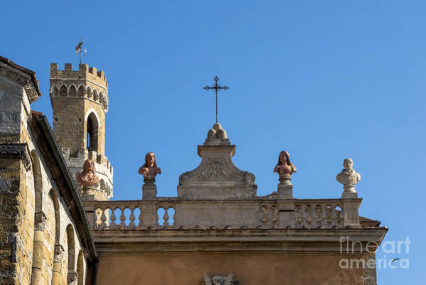 Photograph - Busts On Rooftop In Volterra by Prints of Italy