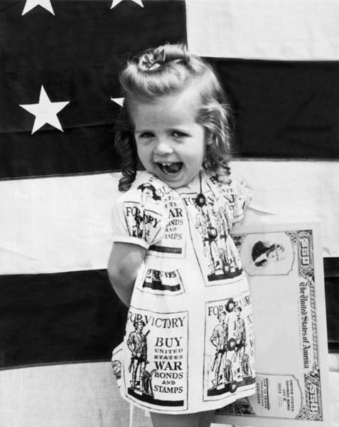 Ww Ii Photograph - Buy Wwii War Bonds Girl by Underwood Archives