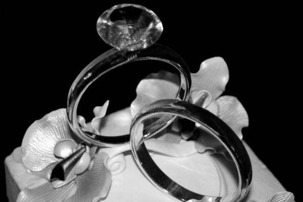 Photograph - Bw Wedding Ring Cake Black by Lesa Fine