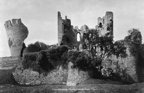 Wall Art - Photograph - Caerphilly Castle, C1900 by Granger