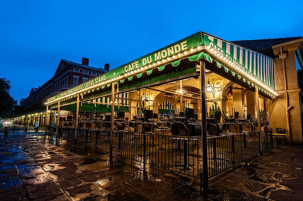 Photograph - Cafe Du Monde Before The Rush by Andy Crawford