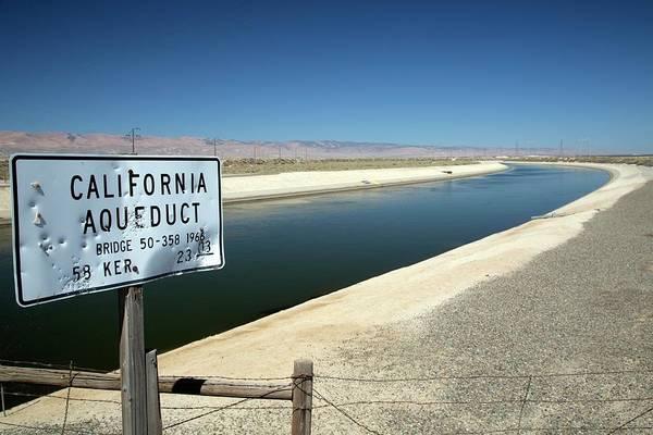 San Joaquin Valley Photograph - California Aqueduct by Jim West
