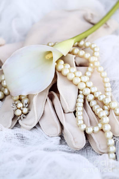 Calla Lillies Photograph - Calla Lily With Pearls by Stephanie Frey