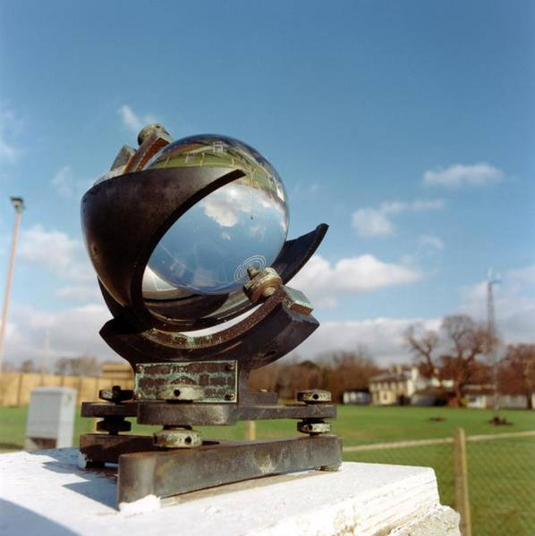 Met Photograph - Campbell-stokes Sunshine Recorder by British Crown Copyright, The Met Office / Science Photo Library