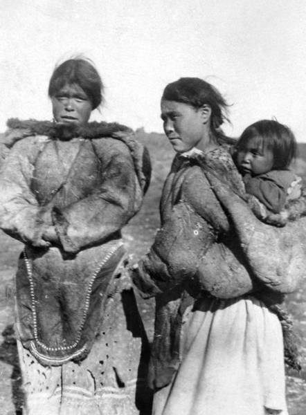 Photograph - Canada Eskimos, C1927 by Granger