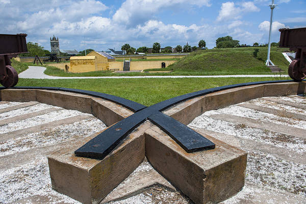 Photograph - Canon Rails At Fort Moultrie by Dale Powell