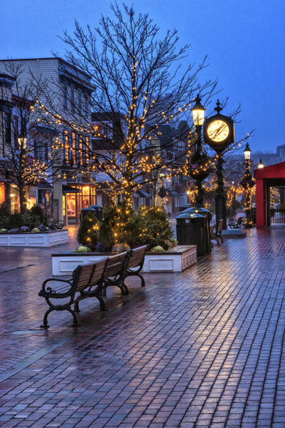Photograph - Cape May Christmas by Tom Singleton