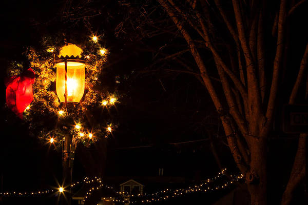 Photograph - Cape May Lamp Post by Tom Singleton
