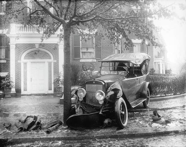 1921 Photograph - Car Accident by Library Of Congress/science Photo Library