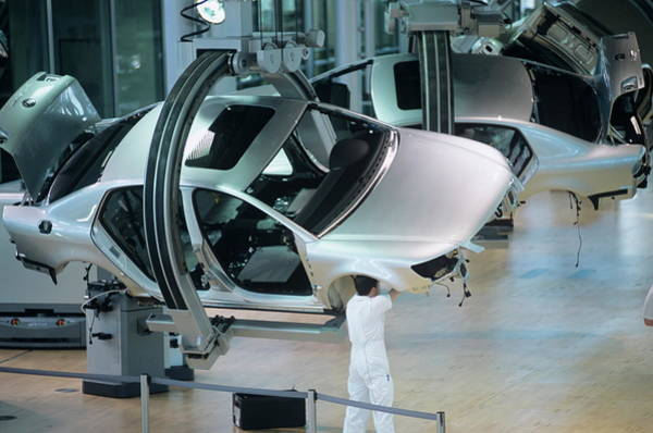 Phaeton Photograph - Car Production Line by Philippe Psaila/science Photo Library