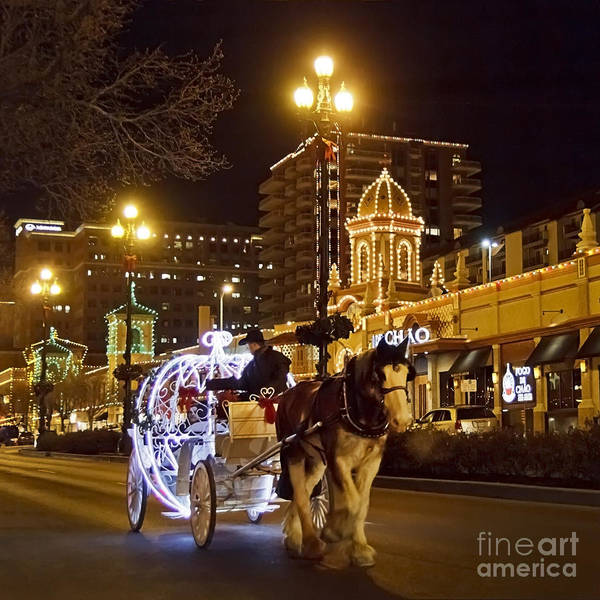 Country Club Plaza Photograph - Carriage Ride At The Plaza by Dennis Hedberg