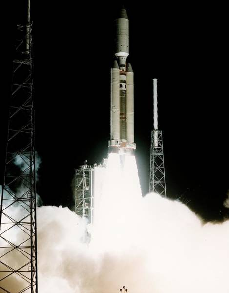 Iv Wall Art - Photograph - Cassini-huygens Launch by Nasa/science Photo Library