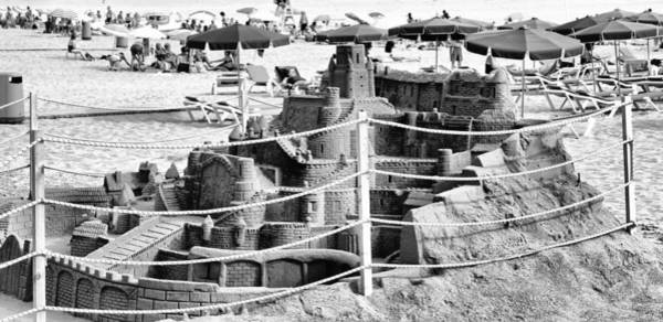 Photograph - Castle In The Sand by Pedro Fernandez