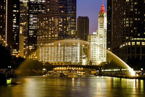 Centennial Fountain Over Chicago River At Dusk Art Print