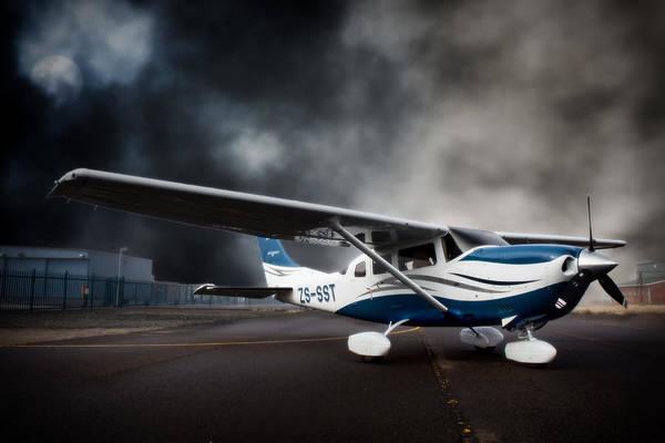 Kimberley Airport Photograph - Cessna Ground by Paul Job