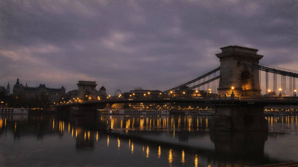 Chain Bridge Photograph - Chain Bridge Dawn by Joan Carroll