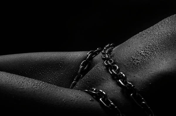 Traps Photograph - Chain Drops by Antonia Glaskova