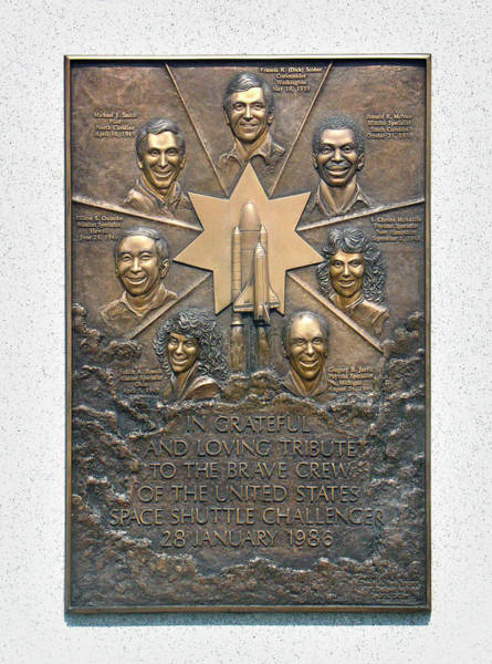 Wall Art - Photograph - 'challenger' Memorial by Peter Bassett/science Photo Library
