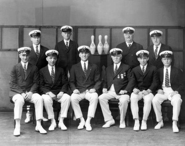 Perpetual Photograph - Champion American Bowlers by Underwood Archives