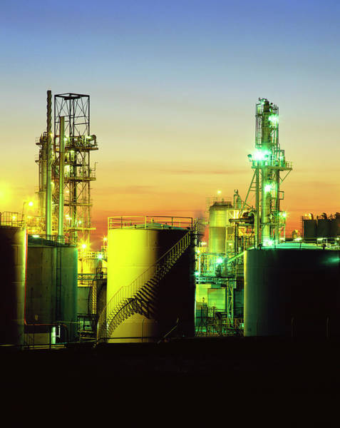 Manufacturing Plant Wall Art - Photograph - Chemical Plant At Night by Martin Bond/science Photo Library