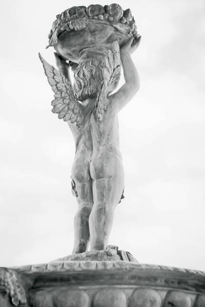 Photograph - Cherub Lifting by Melinda Ledsome