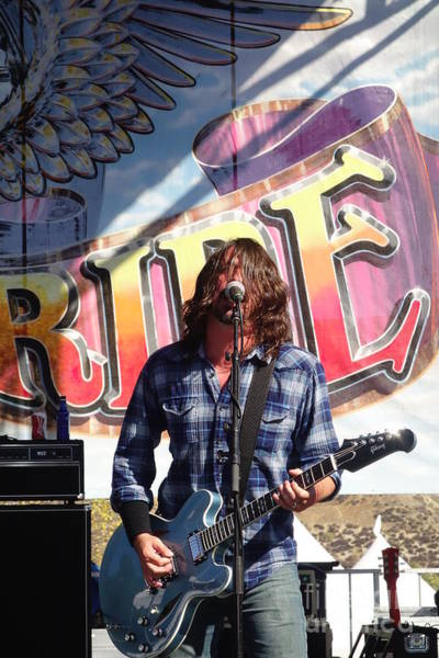 Wall Art - Photograph - Chevy Metal - Dave Grohl by Linda De La Rosa