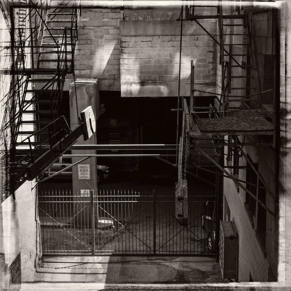 Photograph - Chicago Alley 3 by Frank Winters