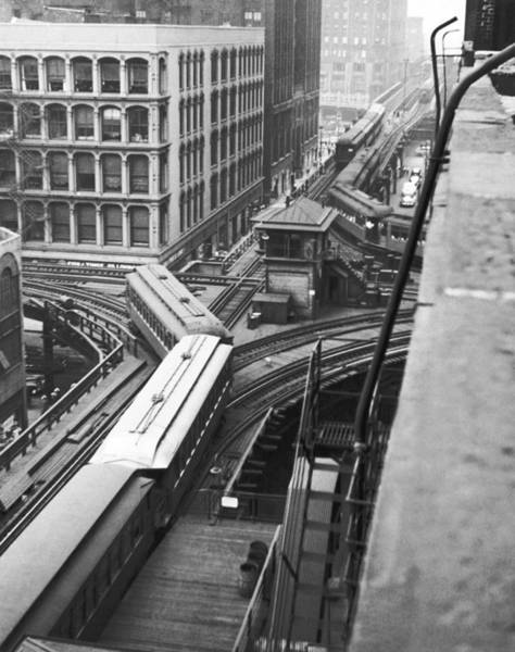 Thoroughfare Photograph - Chicago El Train by Underwood Archives