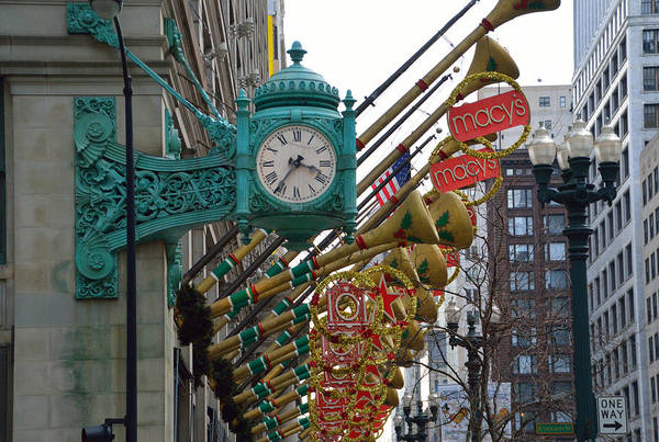 Wall Art - Photograph - Chicago Macys Department Store Clock And Holiday Decorations by Thomas Woolworth