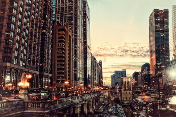 Doona Mixed Media - Chicago River November Hdr by Thomas Woolworth