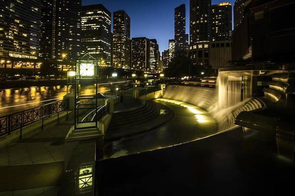 Photograph - Chicago's Centennial Fountain And Skyline by Sven Brogren