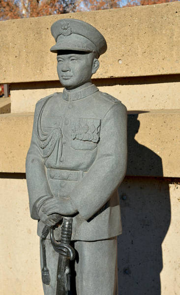 Photograph - Chico's General Vang Statue In January 2014 by James Warren