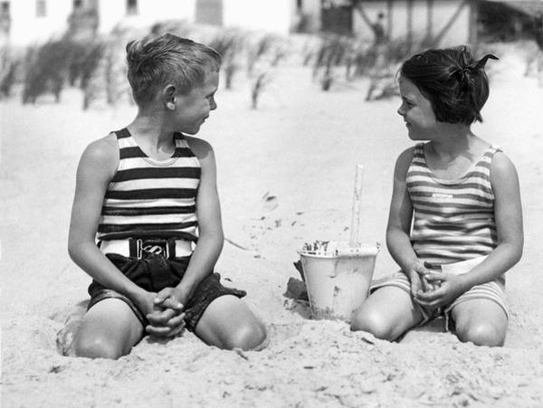 Narragansett Photograph - Children At The Beach by Underwood Archives