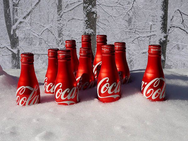 Photograph - Chillin' The Coke by Richard Reeve