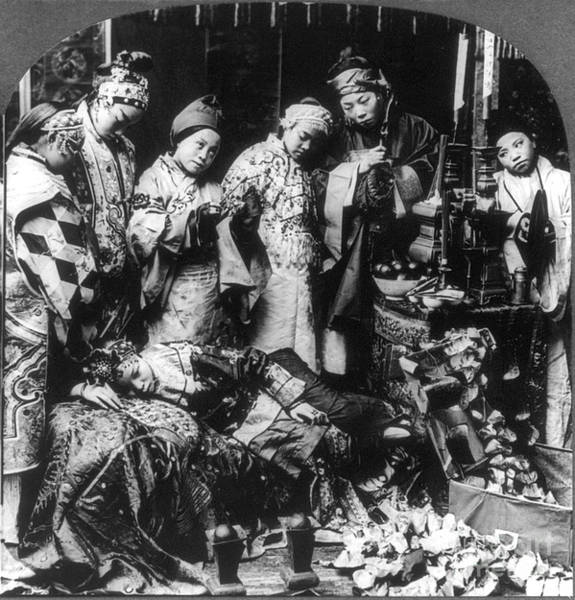 Photograph - China: Ceremony, C1919 by Granger