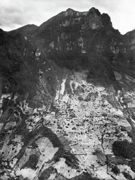 Wall Art - Photograph - China Mountains, 1910 by Granger